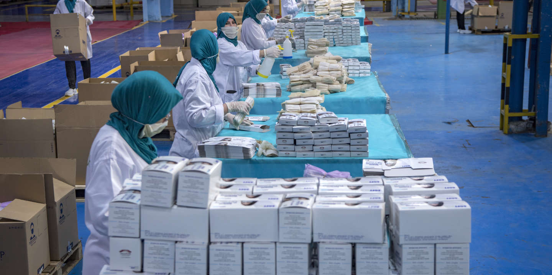 Après des débuts difficiles, le Maroc se lance dans l'exportation de ses masques anticoronavirus
