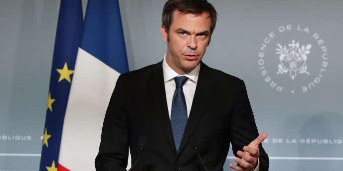 Le ministre de la santé, Olivier Véran, après le conseil des ministres, le 2 mai à l'Elysée.