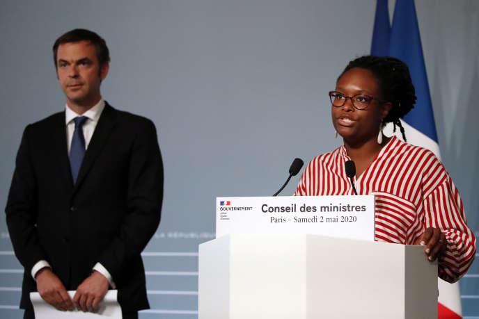 Le ministre de la santé, Olivier Véran, et la porte-parole du gouvernement, Sibeth Ndiaye, àl'Elysée, le 2 mai.
