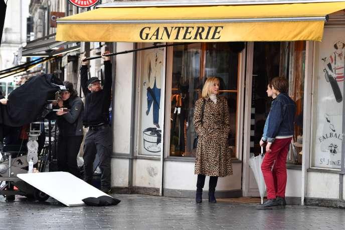 Léa Drucker lors du tournage du film « La petite Solange », de la réalisatriceAxelle Ropert, à Nantes, le 10 mars.