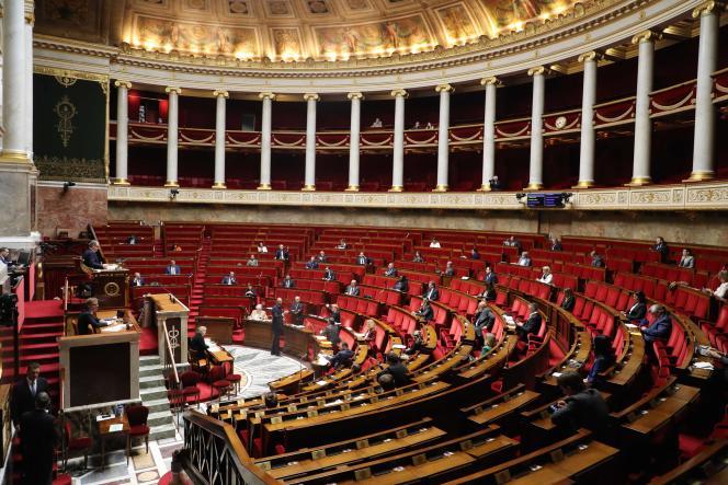 Le premier ministre, Edouard Philippe, présente son plan de déconfinement progressif, à l'Assemblée nationale, le 29 avril.