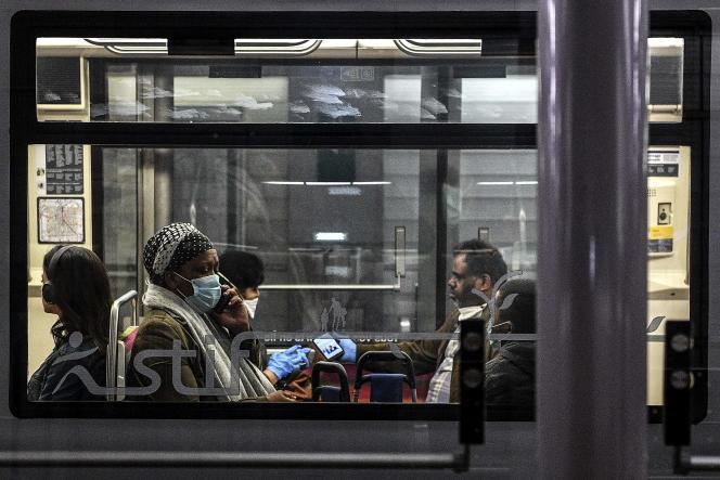 Dans le métro parisien, le 4 mai 2020.