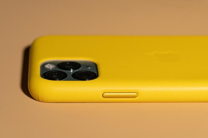 Les boutons en aluminium élèvent la coque en cuir Apple au-dessus de la concurrence.