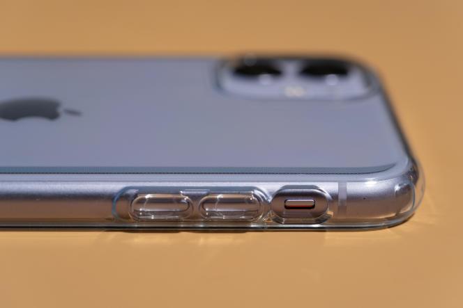 La Liquid Crystal est totalement transparente, mais reste protectrice.
