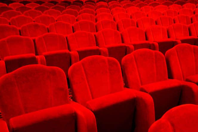Au Théâtre Monfort, on se demande «pourquoi un théâtre en ce moment serait un endroit plus risqué qu'un supermarché».