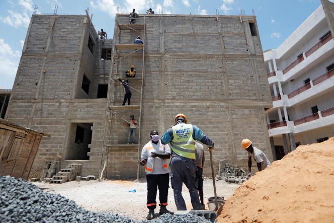 Sur un chantier à Dakar, au Sénégal, le 18avril 2020.