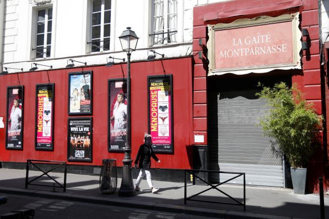 La façade fermée du théâtre de La Gaîte Montparnasse, le 6 mai 2020, à Paris.