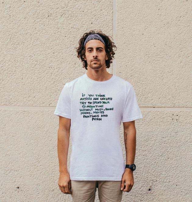Un tee-shirt orné d'un slogan de l'artiste Alex Cecchetti, pour l'association Thanks for Nothing. Vendu 35 euros, le produit ira à deux associations d'aide aux femmes victimes de violence.