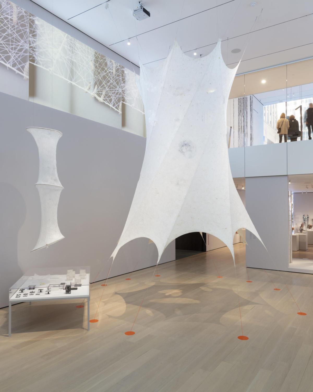 Installation de Neri Oxman dans le cadre de l'exposition « Material Ecology » au MoMA, à New York.
