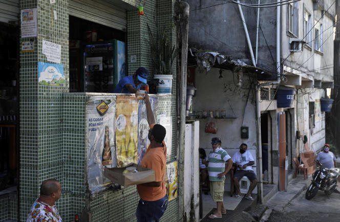 Dans la favela de Rocinha, à Rio, le 29 avril 2020.