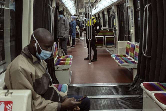 Dans le métro parisien, le 6 mai.