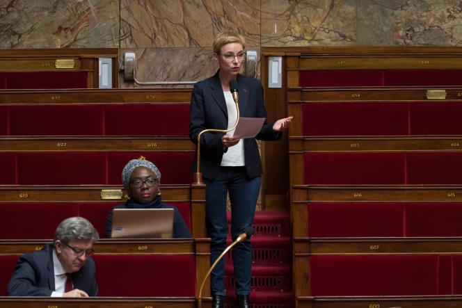 Tête de liste de La France insoumise pour les régionales en Ile-de-France, Clémentine Autain (ici, le 24mars2020) appelle LCI à respecter le pluralisme.