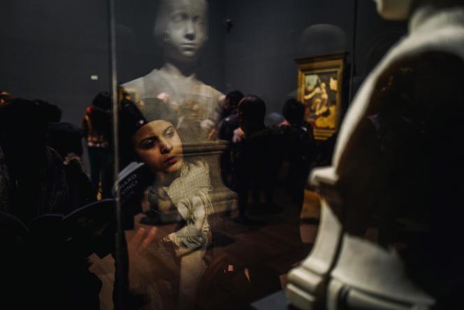 Record absolu pour le Musée du Louvre : l'exposition consacrée à Léonard de Vinci a accueilli 1071840millionde visiteurs (ici, à Paris, le 21 février).