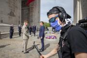 Emmanuel Macron lors de la cérémonie de commémoration de la victoire de 1945, sous l'Arc de Triomphe à Paris, le 8 mai.