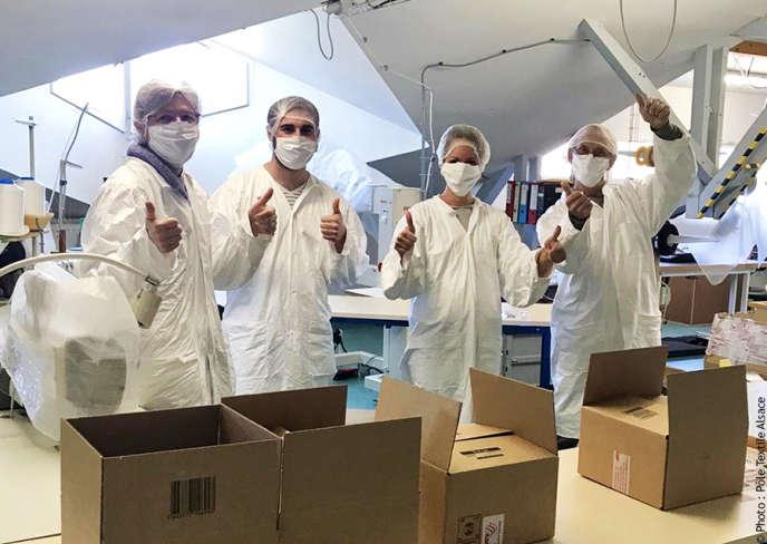 Le Pôle textile Alsace se mobilise pour fabriquer les masques, à Mulhouse, en mai.