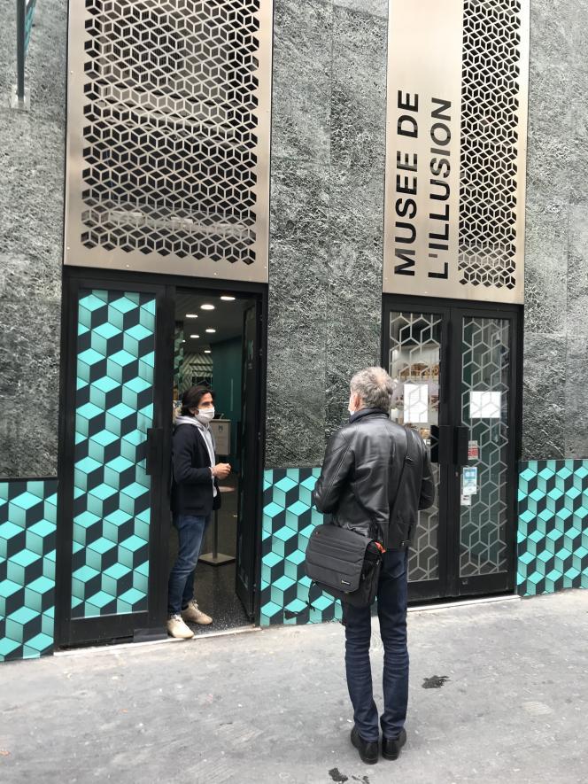 Depuis le 11 mai, seuls les « petits » établissements, dont le « rayonnement » est « local », sont désormais autorisés à recevoir du public. Seul le Musée de l'illusion, à Paris, a rouvert le jour J.