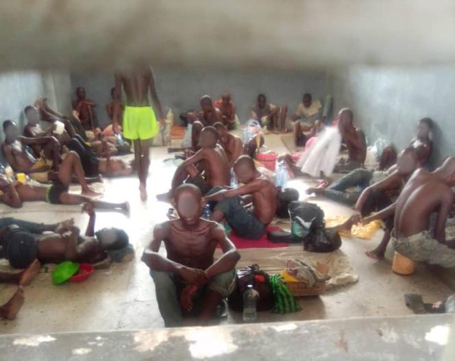 Dans une cellule surpeuplée de la prison centrale de Makala, à Kinshasa, en mai 2020 (photo prise par un détenu).
