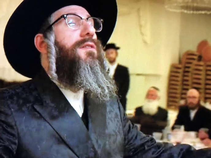 Eli Rosen dans le rôle du rabbin Yossele,« Unorthodox», Netflix.