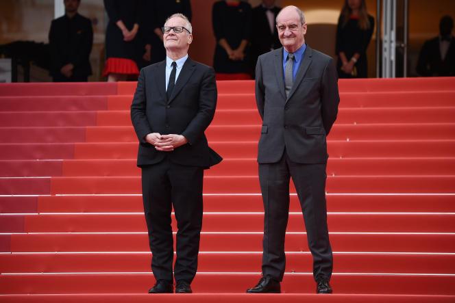 Thierry Frémaux (à gauche),délégué général, et Pierre Lescure, président du Festival, le 17 mai 2019, sur les marches, à Cannes.