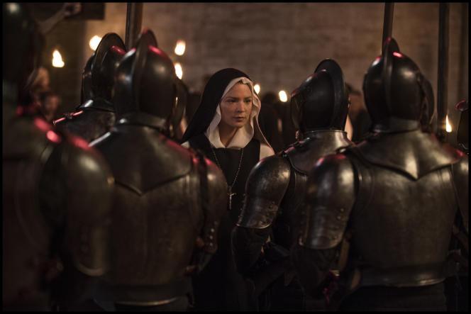 Virginie Efira interprète une nonne dans le nouveau film de Paul Verhoeven, «Benedetta», produit par Saïd Ben Saïd.
