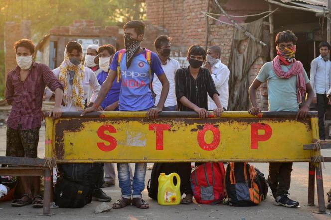 «Depuis qu'ils ont arrêtés de travailler, et doivent être nourris, voire soignés, ils sont devenus encombrants» (Travailleurs migrants à Allahabad en inde le 12 mai, après la décision de confinement prise par le gouvernement).
