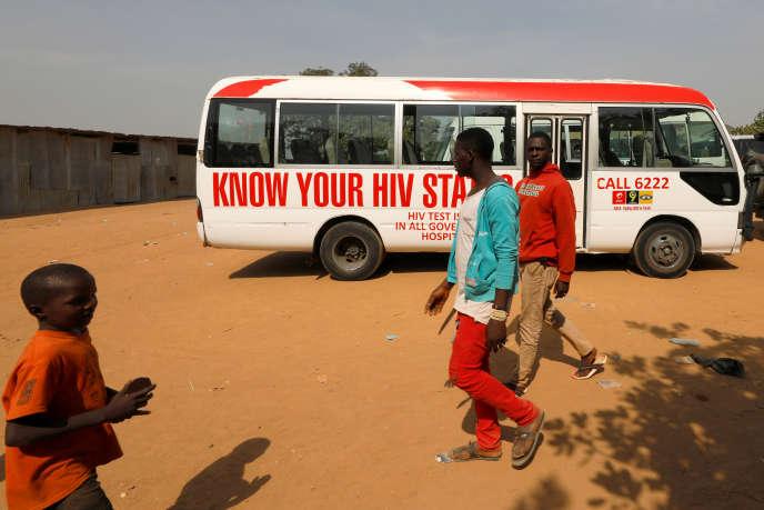 Lors d'une campagne de sensibilisation au sida, à Abuja, au Nigeria, en décembre 2018.