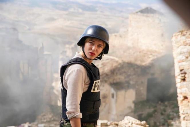 Léa Seydoux incarne une journaliste dans le nouveau film de Bruno Dumont, «Par un demi-clair matin», produit par Jean Bréhat.