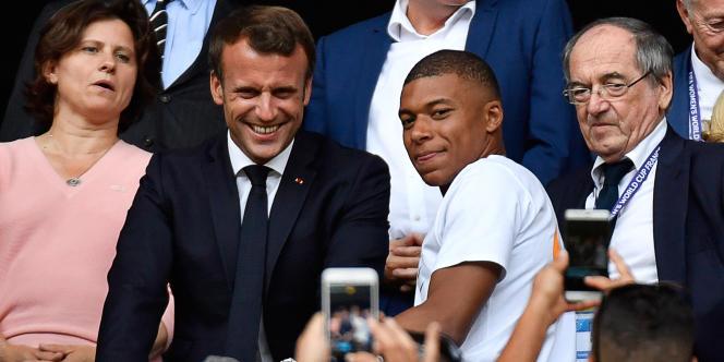 La décision d'arrêter le championnat de Ligue 1,prise au sommet de l'Etat, a fait écho au propos de la ministre des sports, Roxana Maracineanu, pour qui le sport n'est pas «prioritaire dans notre société» ces prochains mois.