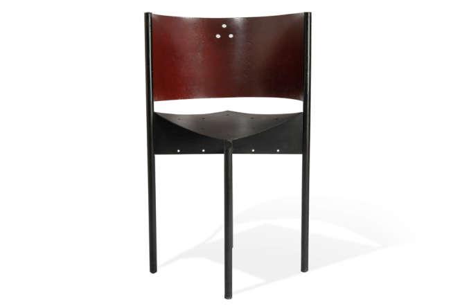 Le prototype de la chaise Café Mystique, de Philippe Starck, en 1988.