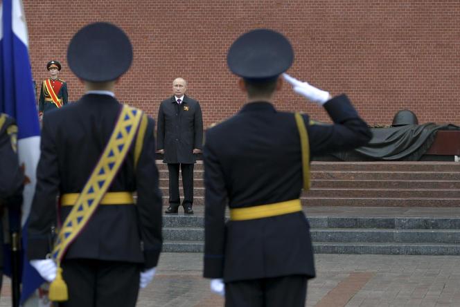 Le président russe, Vladimir Poutine, lors des célébrations du 75e anniversaire de la victoire sur l'Allemagne nazie, le 9 mai à Moscou.
