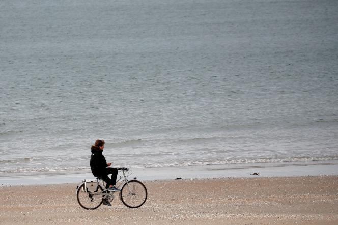 Sur la plage de La Baule, le 13 mai.