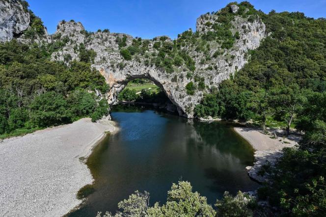 Le pont d'Arc, dans les Gorges de l'Ardèche.