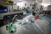 Ecrans faciaux de protection au service d'urgence de l'hôpital Lariboisière de l'AP-HP, à Paris, le 27 avril 2020.