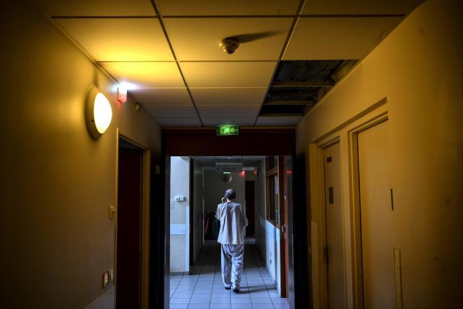 Dans un hôpital psychiatrique, le 12 février à Aubervilliers (Seine-Saint-Denis).
