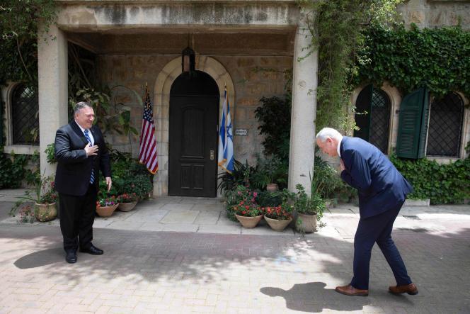 Le secrétaire d'Etat américain, Mike Pompeo, et le général Benny Gantz,le 13 mai à Jérusalem.
