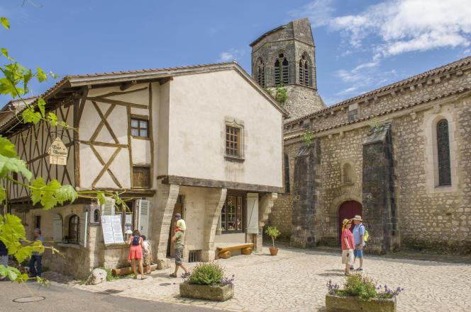Une maison à pan de bois de Charroux.