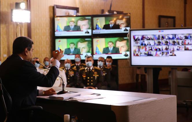 Nicolas Maduro lors d'une conférence de presse au palais présidentiel à Caracas, le 6 mai.