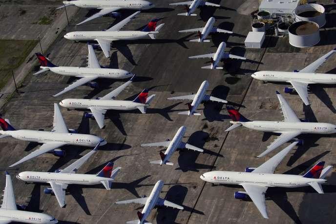 Des avions de la compagnie américaine Delta Airlines sur le tarmac de l'aéroport international de Birmingham, dans l'Alabama, le 25 mars.