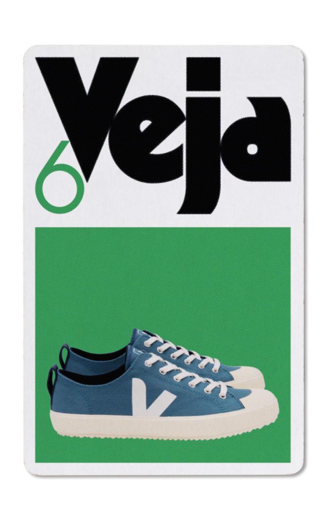 Tennis en toile de coton bio, Veja, 85€.