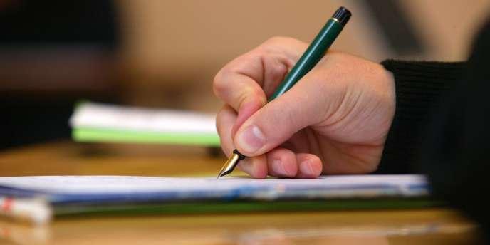 Pour résilier une assurance, encore faut-il envoyer sa lettre recommandée dans les délais impartis - délais prolongés ces temps-ci.