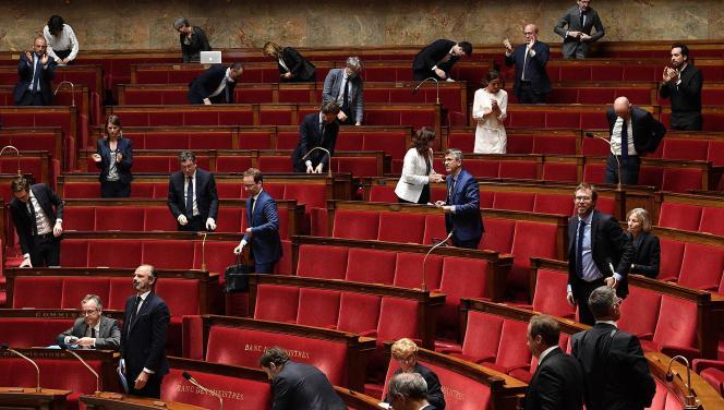 A l'Assemblée nationale à Paris, lors du 43e jour de confinement, le 28 avril.
