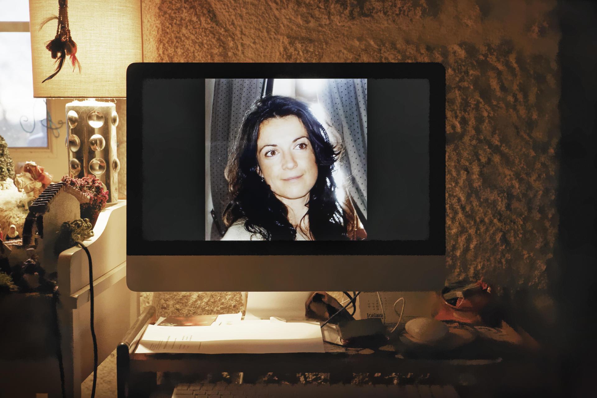 Une photo de Céline Michau au domicile d'une de ses proches. Elle a été tuée à 39 anspar son mari, en avril 2018. Ses parents ont décidé d'assigner l'Etat en justice.