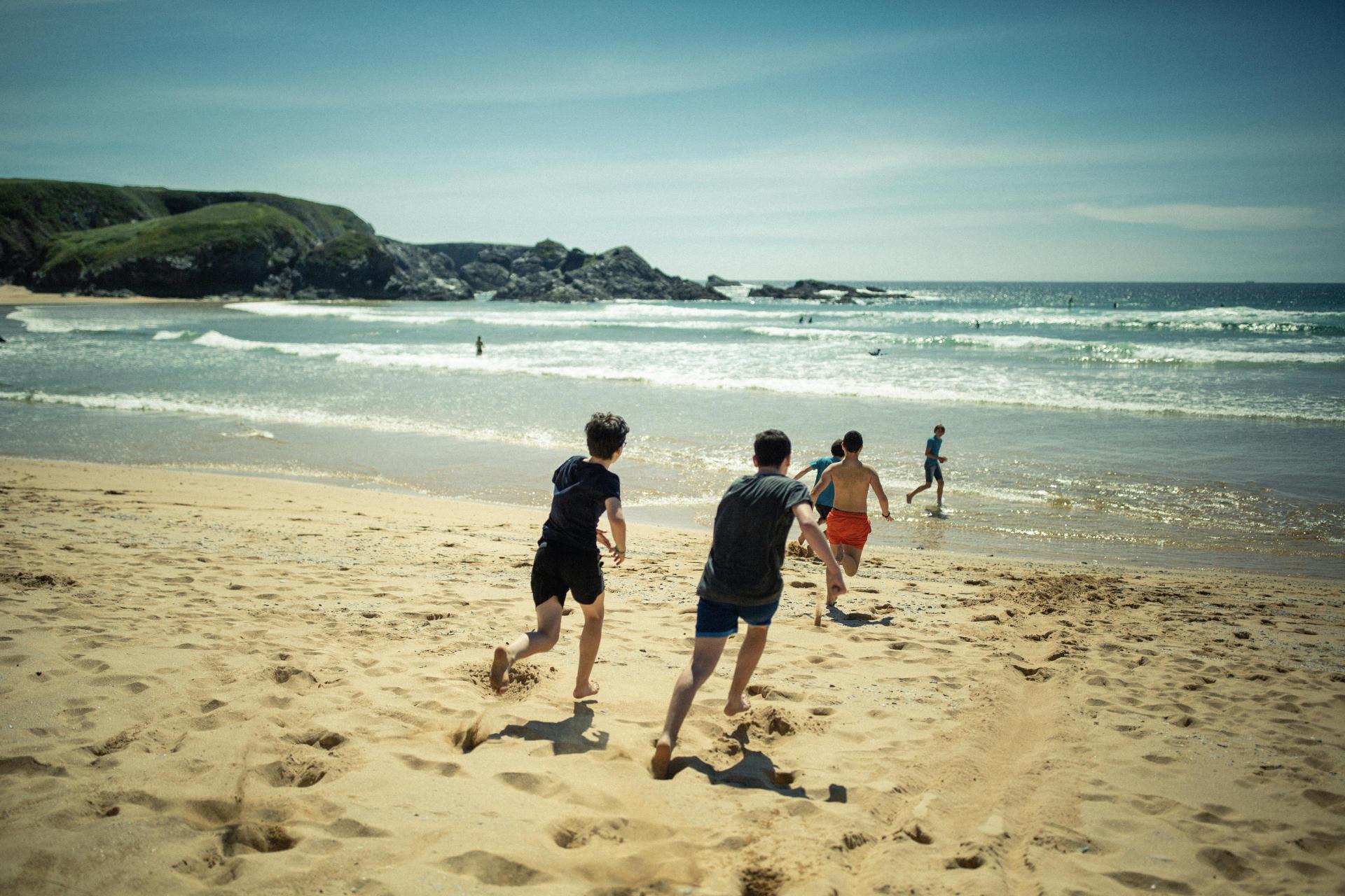 Florian et ses copains à la plage de Donnant.