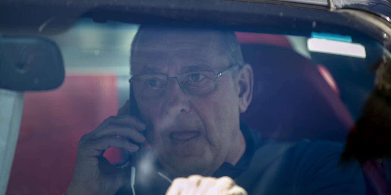 Téléphone au volant : dans quels cas le permis peut-il être suspendu ?