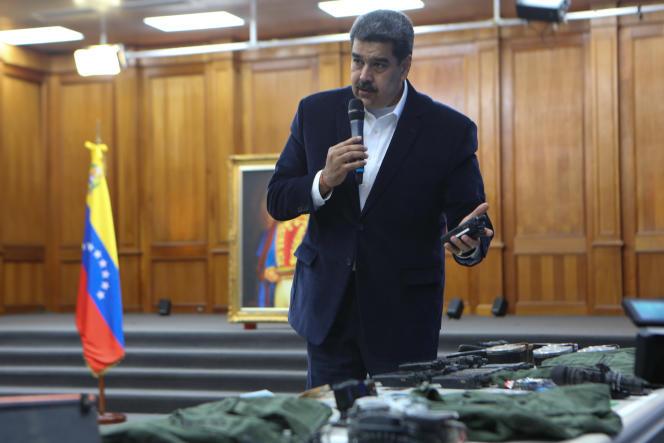 Nicolas Maduro, lors d'une réunion avec des membres des forces armées nationales bolivariennes, au palais présidentiel, à Caracas, le 4 mai.