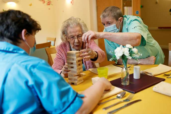 Dans une institution pour personnes âgées,le 4 mai à Princes Risborough (Royaume-Uni).