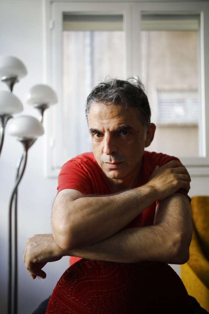 L'écrivain isrélienEtgar Keret, à Tel-Aviv, en 2019.