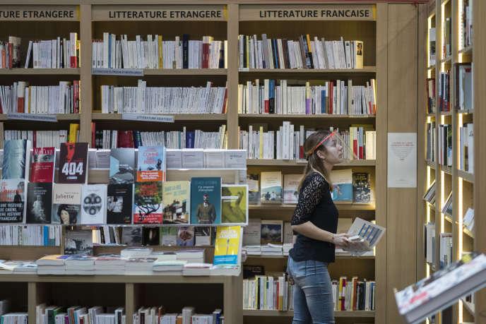 Dans une librairie de Mulhouse (Haut-Rhin), le 11 mai 2020.