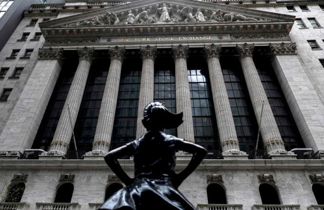 «La Fille sans peur», devant la Bourse deNew York, le 8 mai.