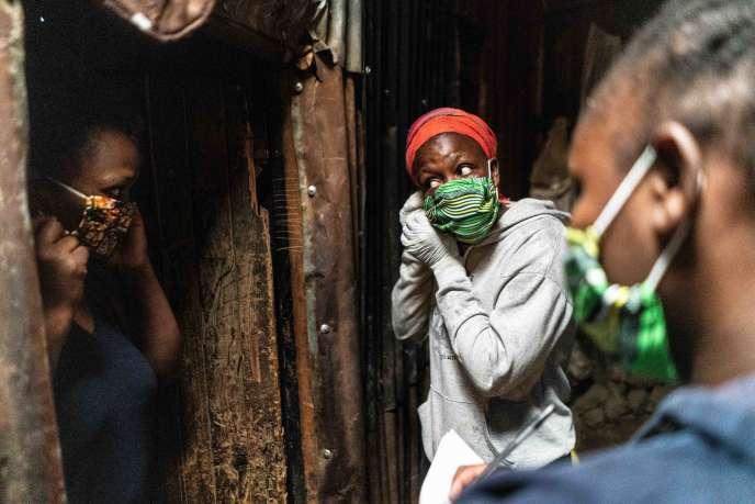 Au Kenya, ici en avril 2020, comme sur tout le continent africain, l'heure n'est pas à abaisser le degré de vigilance face à une épidémie de coronavirus qui continue de progresser.